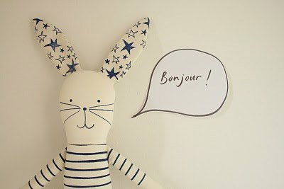 rabbit-saying-bonjour
