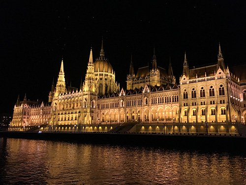 blog-2-party-boat-views-budapest